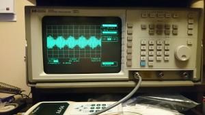 2トーン チェック中 50w.100w, 200w の波形は一緒