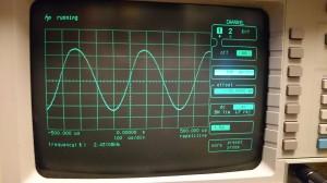 PTTオープンの状態で正弦波を発振