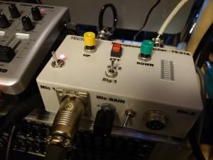 リミッティングアンプに実装 左側のSWとLEDがスタンバイピーのオン/オフ