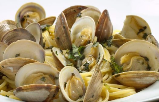 Linguine-with-clams-15-680x436