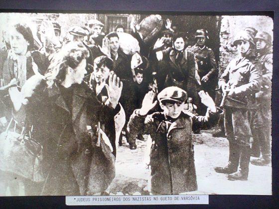 """Exposição Fotográfica """"Do Holocausto à Libertação"""" acontece entre os dias 11 e 26 de março. (FOTO: Divulgação)"""