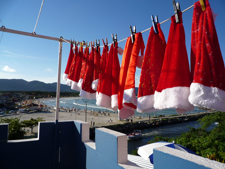 Small-Business-Holiday-Marketing-Santa-Hat-Beach