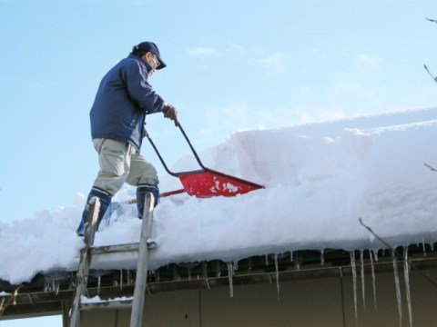 shovel snow off the roof, 雪下ろし