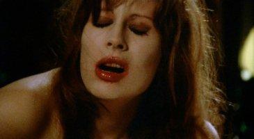 vampyres-1974-001-marianne-morris-in-action