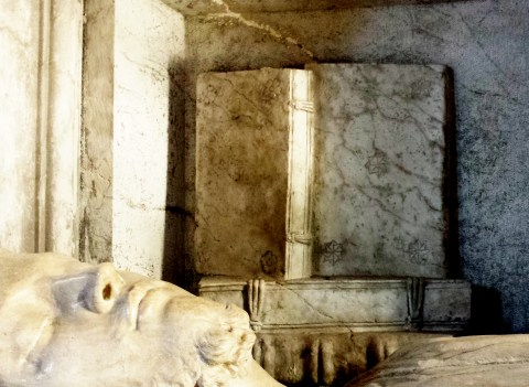 The funerary monument of Alvise Trevisan († 1528) in the Basilica di San Zanipolo, Venice). Note the Greek-style fastenings and the grooved edges of the boards. (Photo courtesy of the author.)