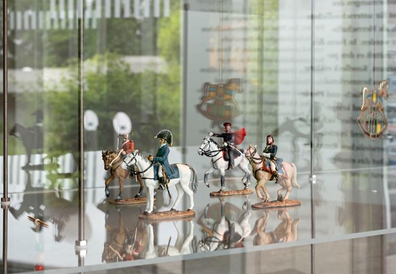 Koselleck horse figures 1-1