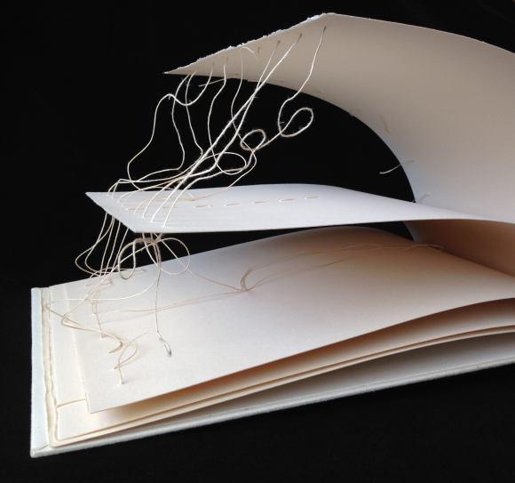 Keith-Smith-Book-91-The-String-Book_Naama-Zussman