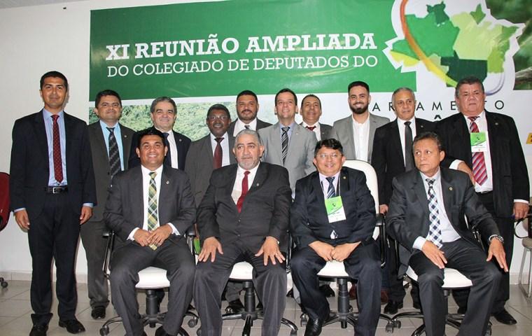 Deputado Jesuíno participa de debates na XI reunião do Parlamento Amazônico