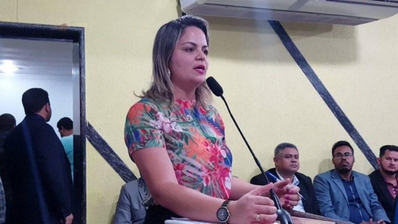 Bairro São Francisco recebe encascalhamento através de pedidos da Vereadora Ada Dantas