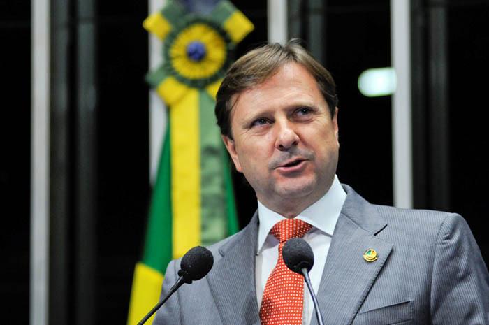 Senador de Rondônia pode ser expulso do partido por ausência em votação da Reforma Trabalhista
