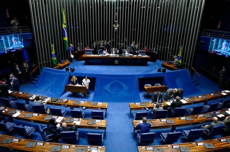 Plenário aprova voto distrital misto para eleições proporcionais
