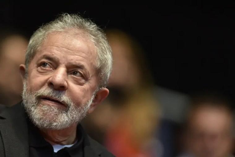 """Recibos de Lula são """"ideologicamente falsos"""", conclui Lava Jato"""