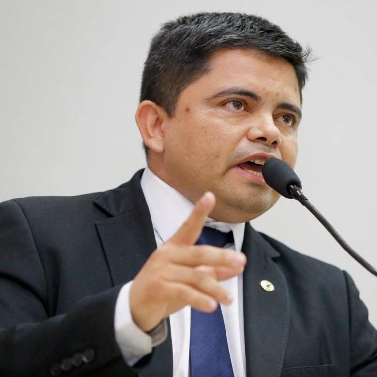 É LEI – Projeto do deputado Jesuíno Boabaid proíbe cobrança de taxa em tarifa de energia