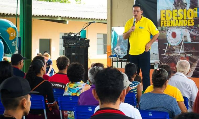 O AMIGO DA FAMÍLIA EM AÇÃO: O projeto social de Edesio Fernandes reuniu mais de 600 pessoas no Eletronorte