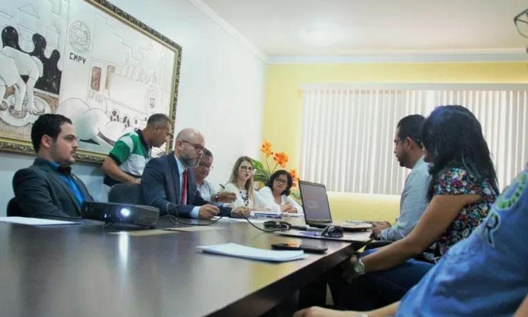 COMISSÃO: Professor Aleks Palitot verificará orçamento municipal