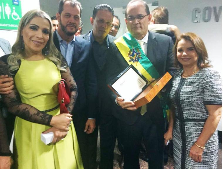 Vereador Edésio Fernandes participa da posse de governador Daniel Pereira