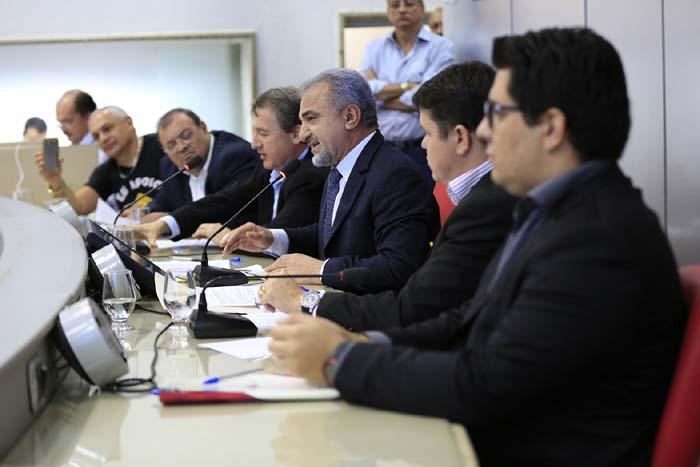 Audiência pública proposta pelo deputado Hermínio debate taxas e impostos cobrados pelo Detran