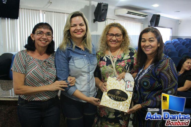 PARABÉNS – Vereadora Ada Dantas participa de sessão solene e homenageia as mães