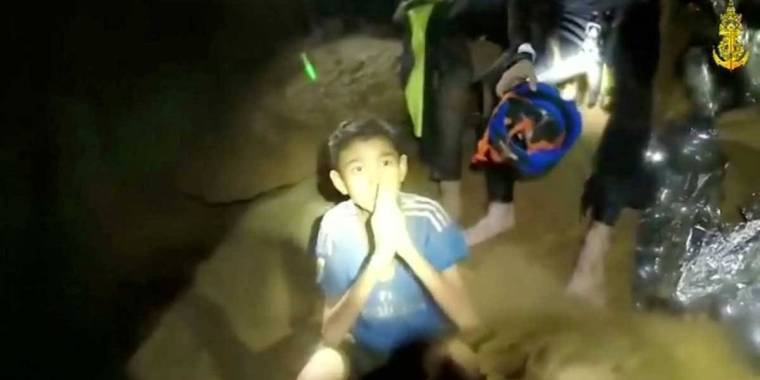 Após retirar 8, Tailândia encerra 2º dia de resgates