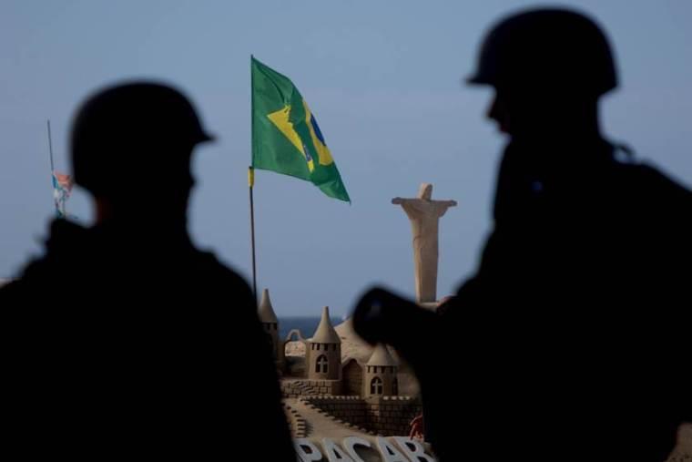 Forças Armadas abrem cinco concursos com salários de até R$ 8 mil