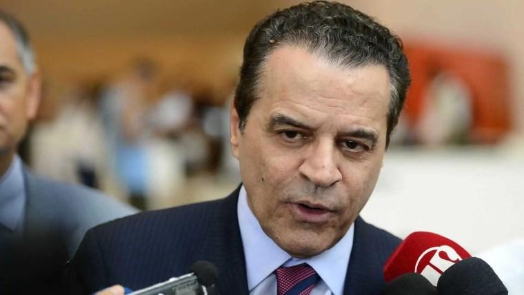Justiça manda soltar ex-ministro Henrique Alves
