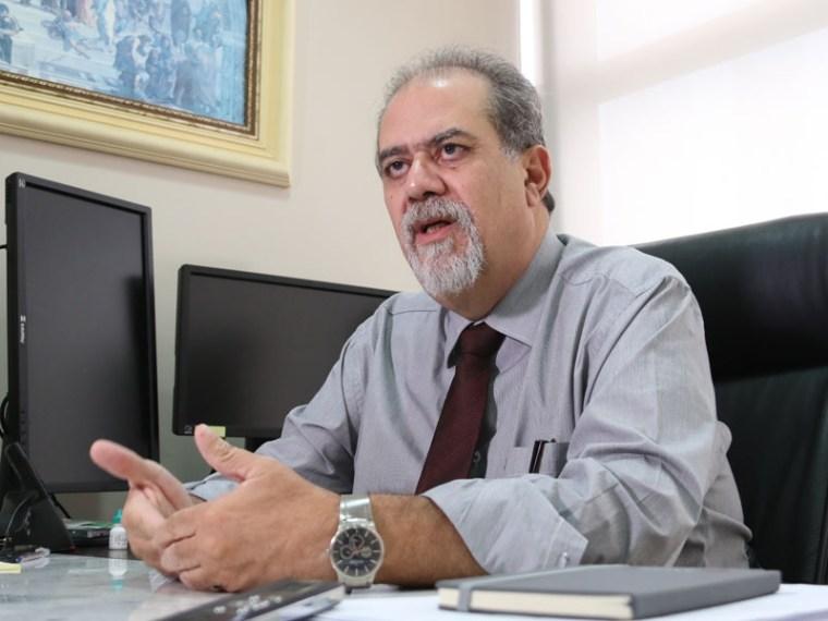 Presidente do TJ deve assumir governo durante viagem de Daniel Pereira
