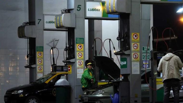 Queda do petróleo pode levar governo a reduzir preço do diesel