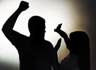VIOLÊNCIA – Mulher é espancada após chegar tarde em casa na zona Leste