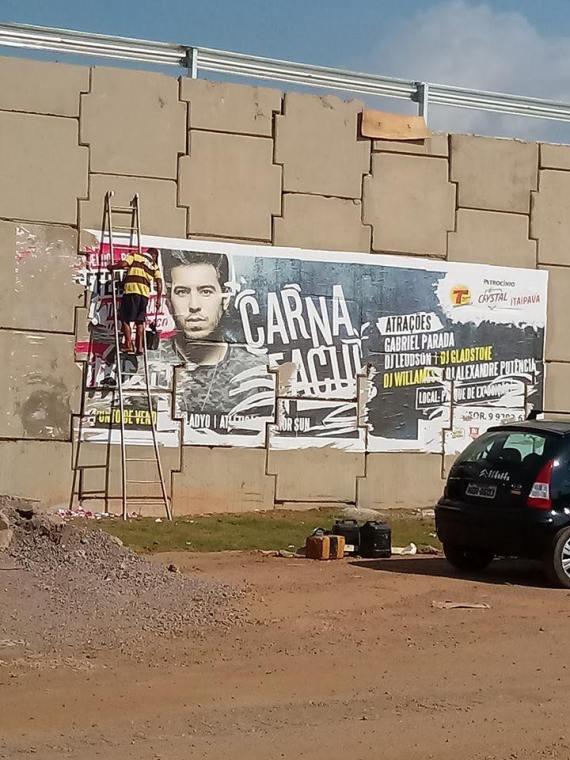 PROIBIDO – Multa por propaganda em viadutos pode chegar à R$ 4 mil