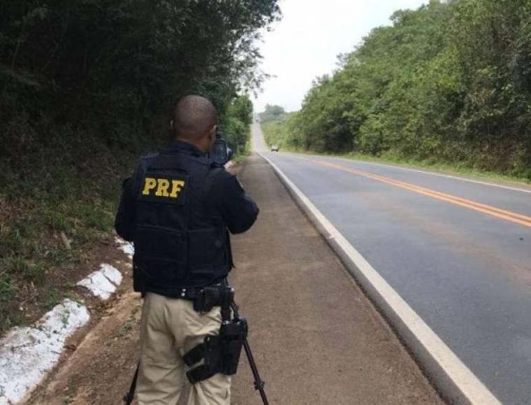 Em apenas 2 horas, PRF flagra 20 condutores com excesso de velocidade na BR em Rondônia
