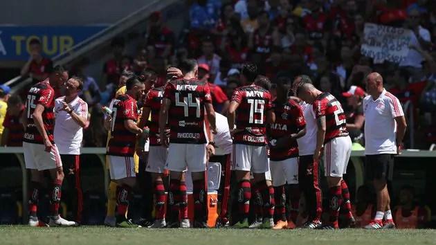 Diego Alves diz que teria vaiado todo o time do Flamengo se fosse torcedor