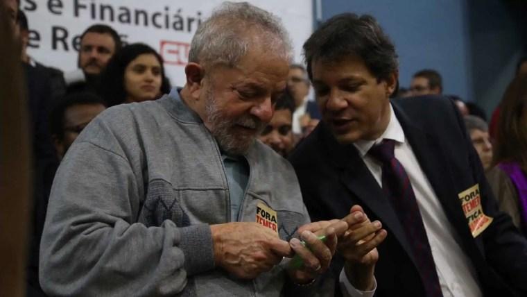 Decisão de Lula de manter candidatura desagrada a aliados de Haddad