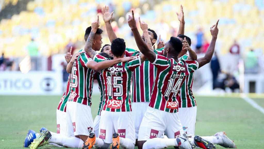Fluminense vence e complica Botafogo na luta contra rebaixamento