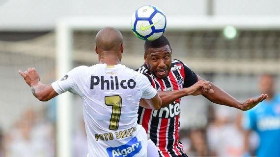 Santos e São Paulo empatam sem gols em clássico truncado na Vila Belmiro