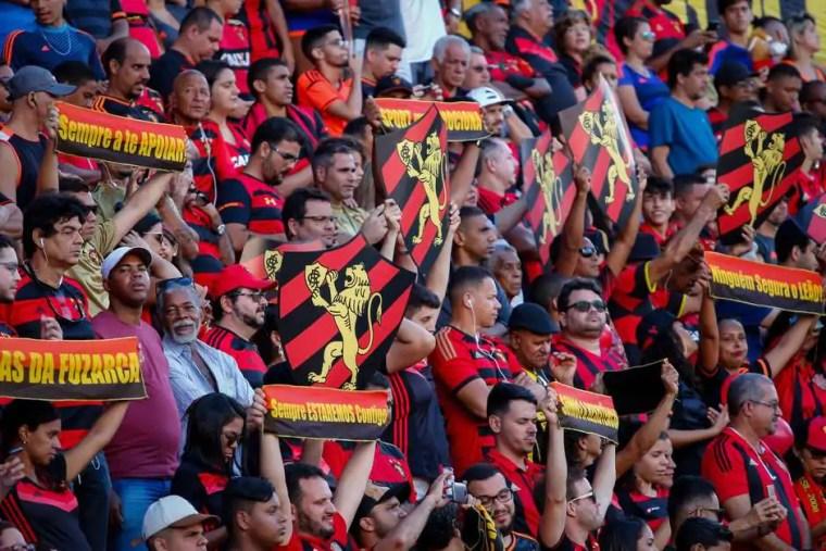 Sport vence o Paraná na Ilha do Retiro e encerra jejum