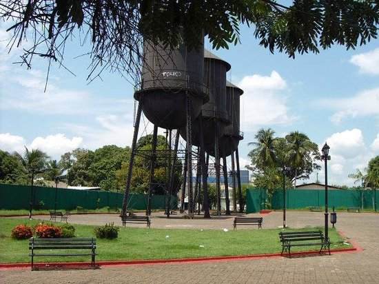 RISCO DE DESABAR – Defesa Civil isola uma das Três Caixas D'água