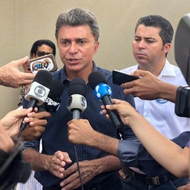 ELEIÇÕES – Em Rolim de Moura, Expedito Junior vota e se diz confiante