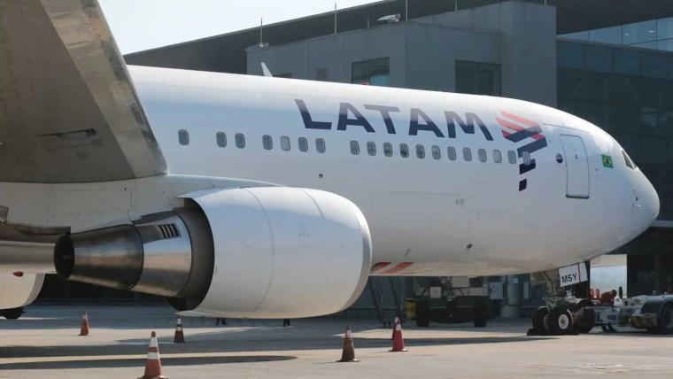 Em 'incidente grave', avião da Latam pousa na pista errada em Guarulhos