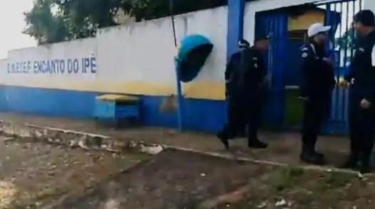 VIOLÊNCIA – Bandidos promovem intenso tiroteio em escola pública durante tentativa de assalto