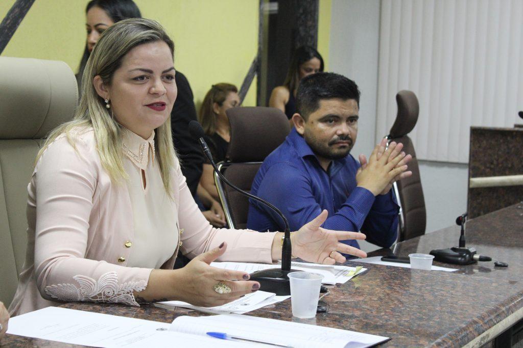 MEDALHA RUI BARBOSA – Vereadora Ada Dantas entrega comenda para alunos destaques em escolas municipais