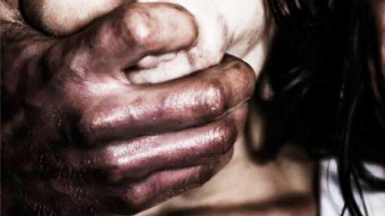 Homem é flagrado pela esposa estuprando vizinha de 12 anos na Capital
