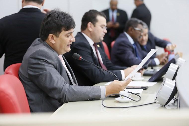 Orçamento do Estado deve ser votado no dia 12, afirma Cleiton Roque