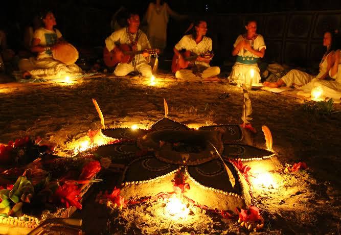 Polícia investiga líder espiritual acusado de abusos sexuais em rituais com ayahuasca