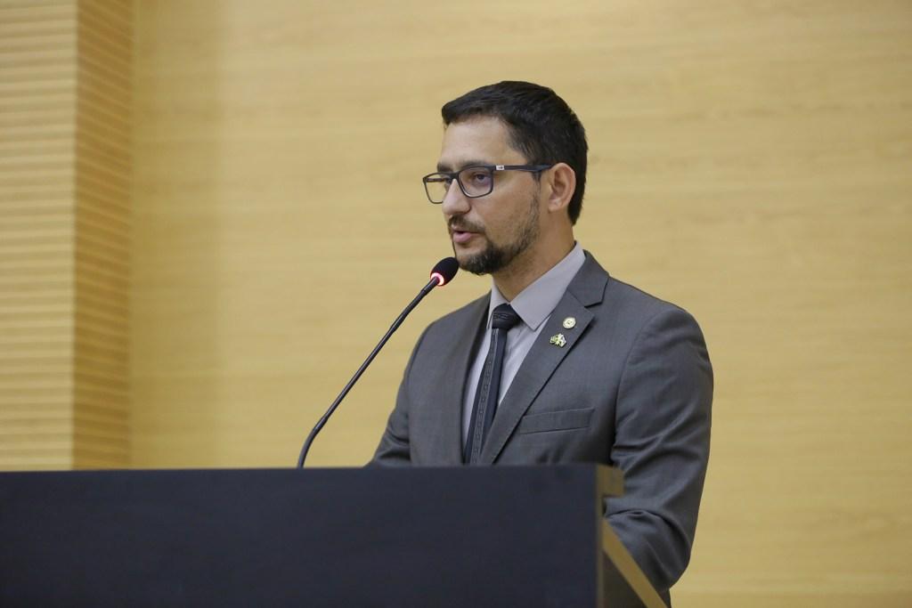 Deputado Anderson Pereira solicita informações sobre possível surto de meningite em unidades prisionais de Porto Velho