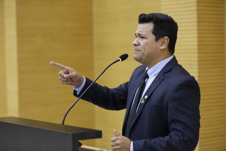 Marcelo Cruz chama atenção sobre ICMS recebido pelo Estado com aumento na tarifa de energia elétrica