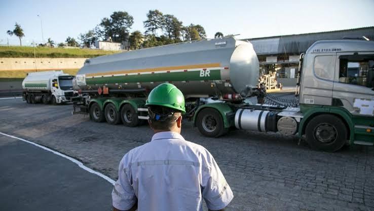Preço do diesel será reajustado a cada 15 dias, diz Petrobrás