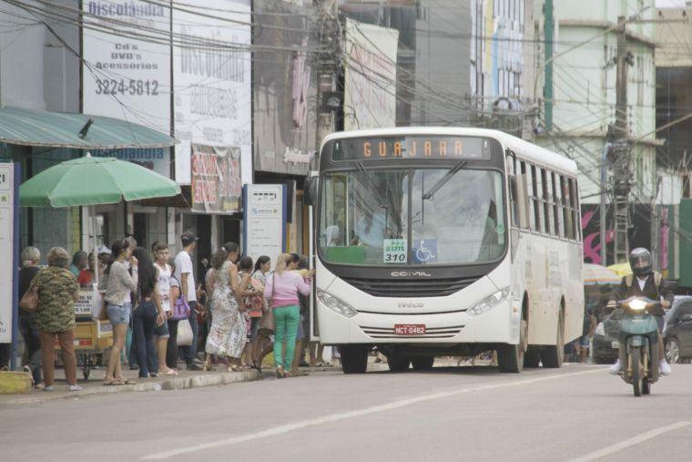 TRANSPORTE – Ônibus circulam com dois veículos a mais que o mínimo acordado entre empresa e Prefeitura
