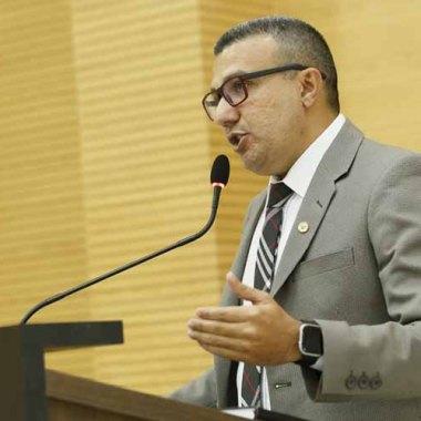Alex Silva apresenta projeto de Lei que garante acolhimento para mulheres vítimas de violência sexual