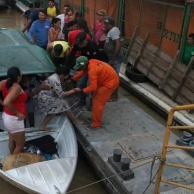 Embarcação naufraga com passageiros no interior do Amazonas
