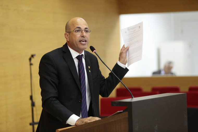 Ismael Crispin quer Voto de Repúdio a Energisa pela forma desrespeitosa que empresa trata o cidadão rondoniense